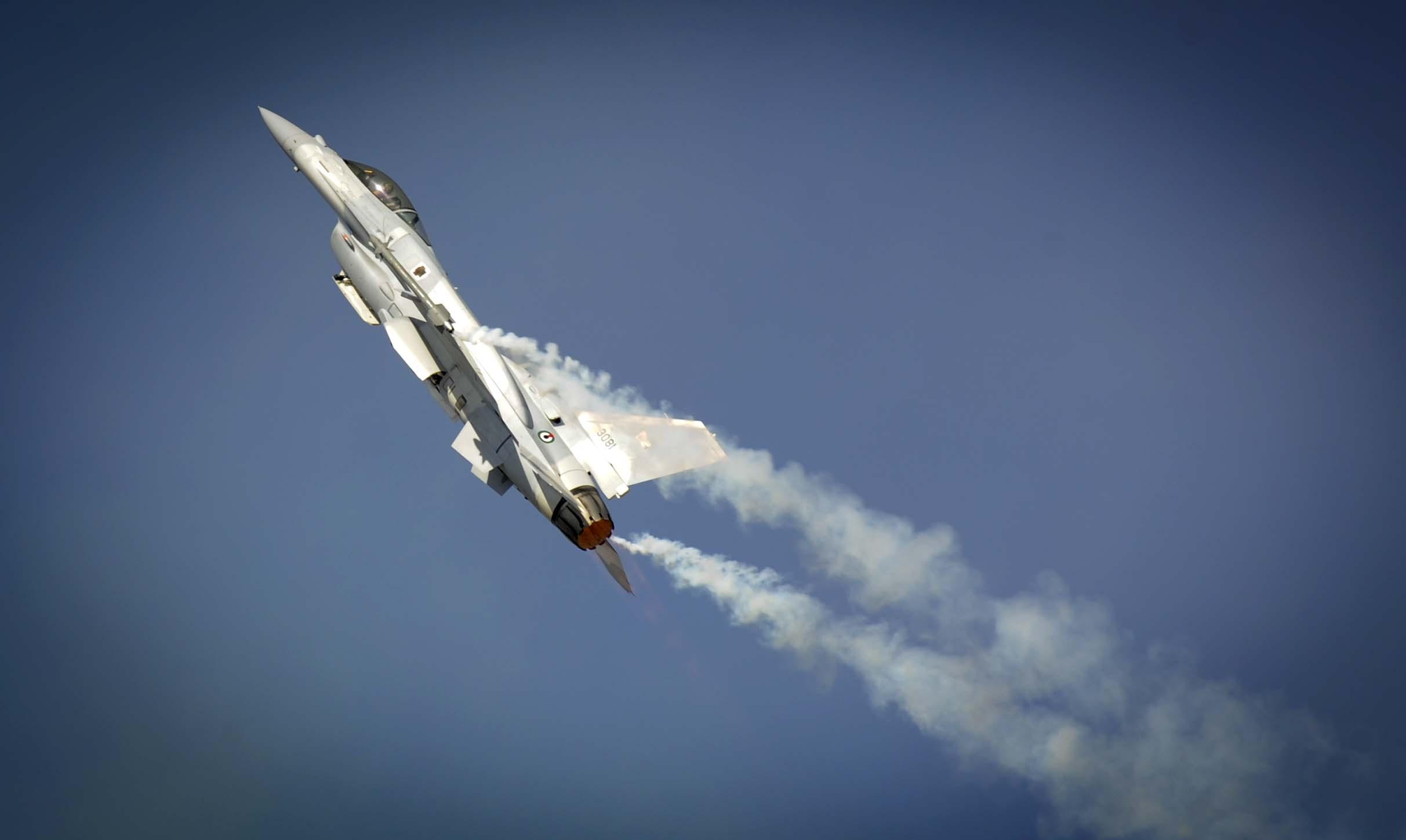 flying_sat_062